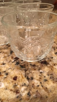 Clear cut glass punch bowl glasses 2 different styles total of 15 Las Cruces, 88011