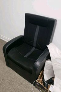 Children's gaming chair with storage