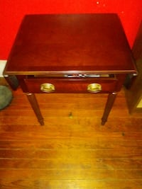 Fold out side table Columbia