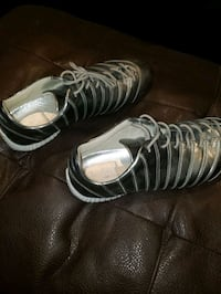 LOUIS SIZE 43 SHOES FROM GARY WATERS. BARELY USED St. Catharines, L2S 3A9