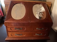 Brown wooden dresser with mirror Mahopac, 10541