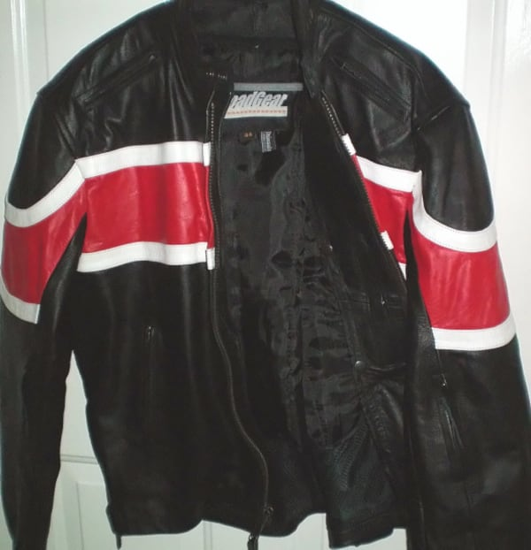 RoadGear Leather Motorcycle Jacket Size 44 or Large 64d31d36-6b10-45fb-9f01-c8332ee9e3f0