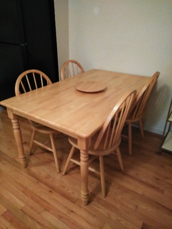 Blonde wood Kitchen table with 4 chairs