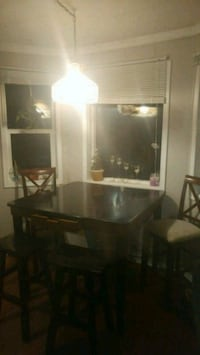 Bar height tablw with 2 stools and 2 chaird Gabriola, V0R 1X2