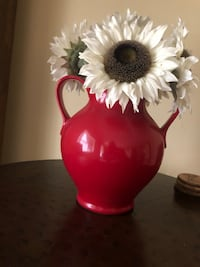 Vase with 3 white sunflowers Baltimore, 21220