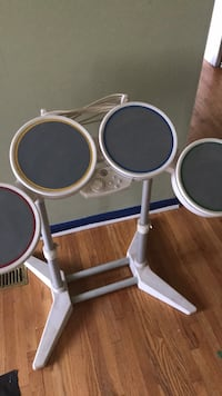 Rock band drum set for wII good shape- no sticks Calgary, T1Y 2C1