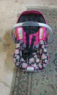 baby's pink and black floral car seat carrier Moreno Valley, 92557
