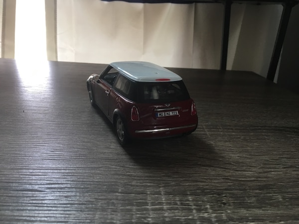Old toy car 1