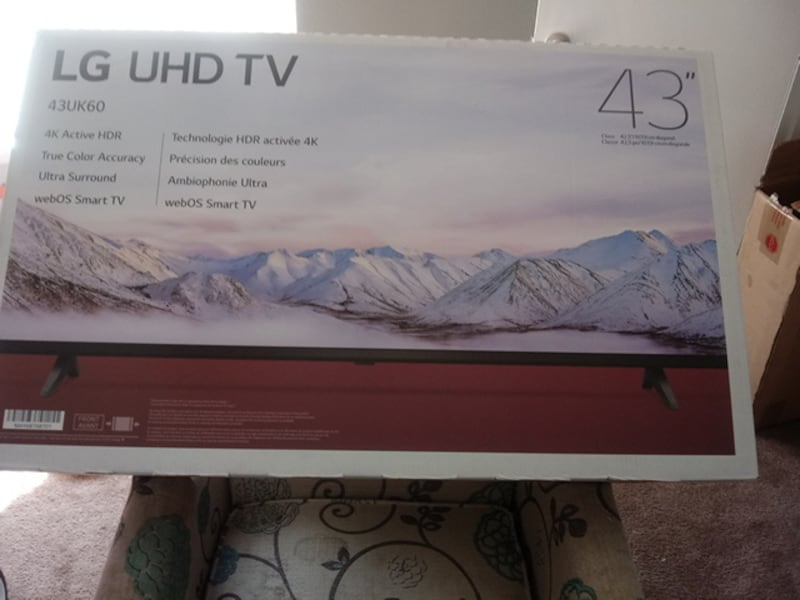 43 inch of 4K UHD smart tv f2cc4df3-a247-44c8-b471-d1e57b0e8c0c