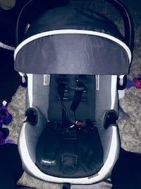Safety First infant car seat  St Catharines, L2P 1G9
