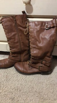 Used women's boots size 10 Brentwood, 11717