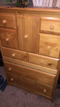 Wooden wardrobe (good condition) Yuma, 85364