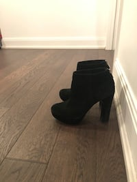 Michael Kors-Suede ankle booties Toronto, M4S