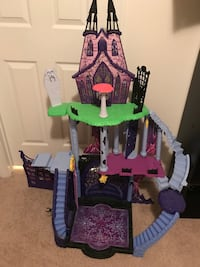 Monster High Castle/catacombs