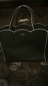 Kate Spade Leather Tote - Brand New w/dust bag... Vancouver, V5V 4X8