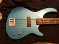 Dean Electric Bass Guitar with Peavey Amp  Belton, 29627