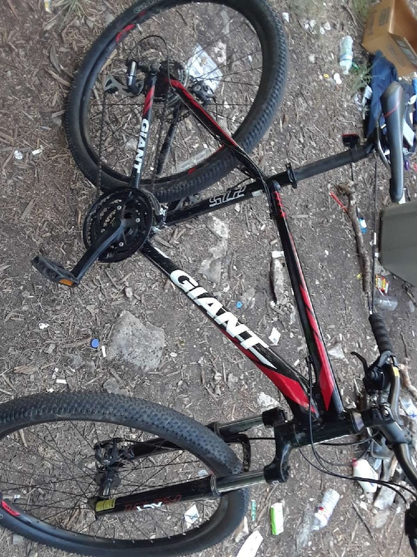 Used Giant Atx 27 5 Mountain Bike Great Condition For Sale In Austin