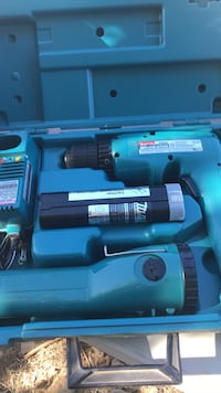 Makita drill & flashlight  Elk Grove, 95758