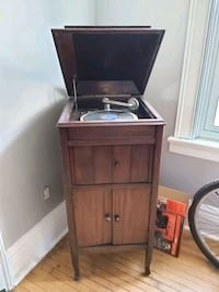 Antique Columbia gramophone  Barrie, L4N 3K8