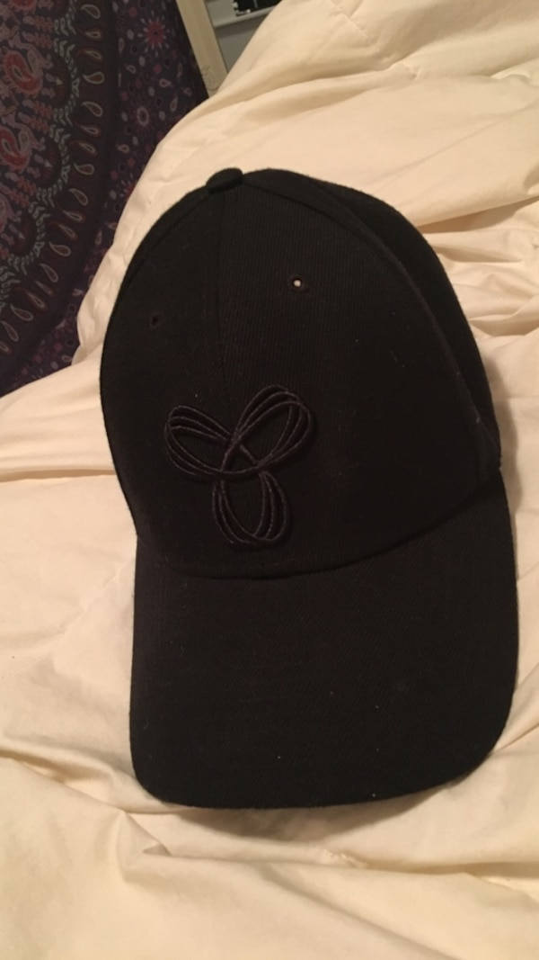 Black TNA hat