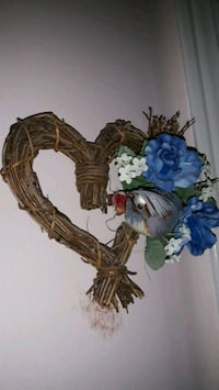 brown and blue floral wreath Mississauga, L5M 6L4