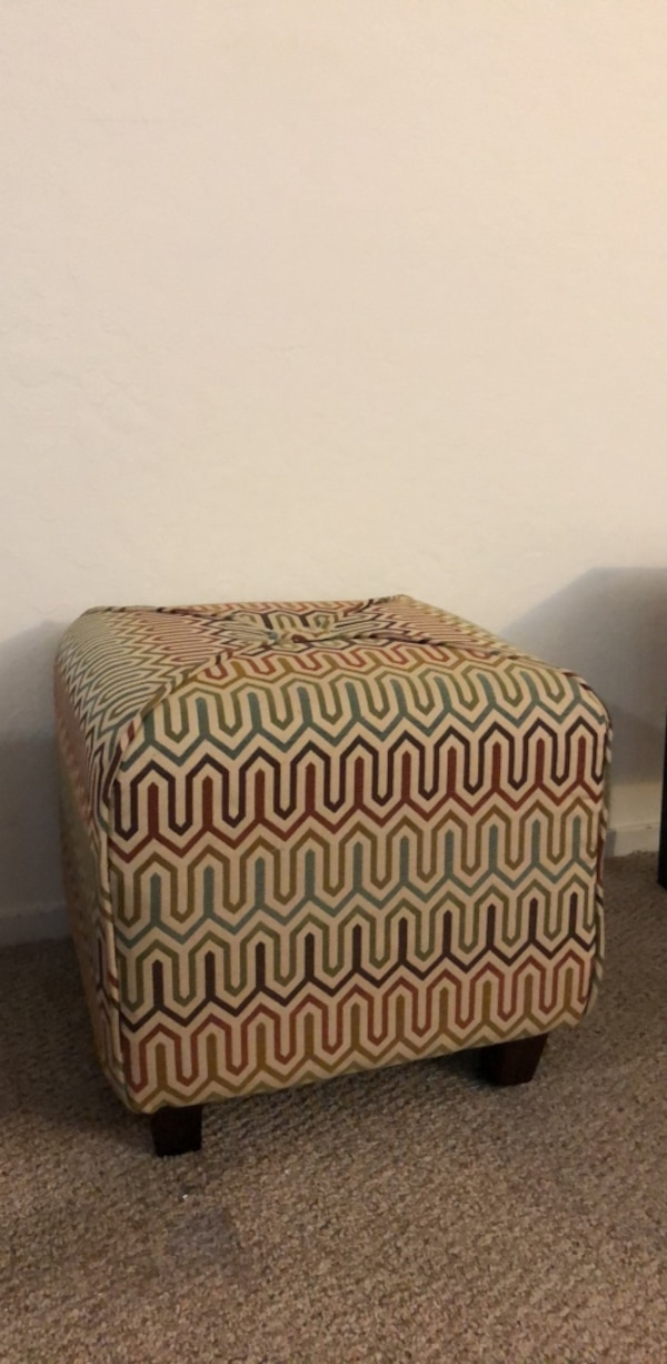 Miraculous Used Square Printed Ottoman For Sale In San Francisco Letgo Alphanode Cool Chair Designs And Ideas Alphanodeonline