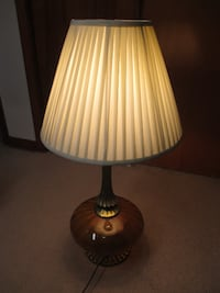 "Vintage Mid-Century Amber Glass & Brass Tone 33"" Lamp w/Shade TESTED & WORKING. Very Good Condition Columbus"
