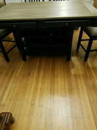 Tyler creek dinning table and 4 chair Indianapolis, 46201