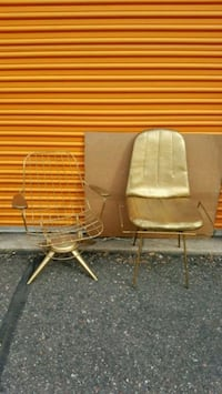 Vintage Mcm Homecrest chair and table..see disc.. Minnetonka, 55345