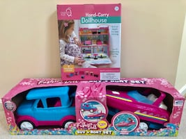 (NEW) Hand Carry Doll house and SUV + Boat Set for Dolls