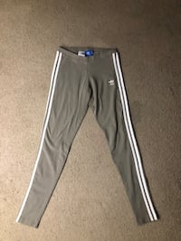 ADIDAS LEGGINGS MEDIUM ( dm for serious business)  Anchorage, 99504
