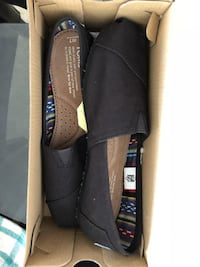 Toms black on black classic Canvas size 7 Calgary