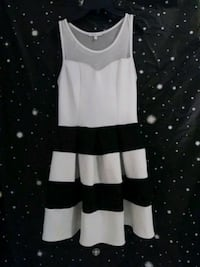 white and black sleeveless mini dress Sacramento, 95834