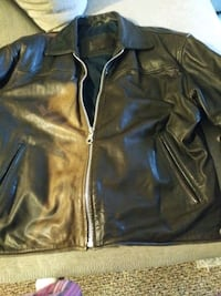Mens leather jacket  Manchester, 03104