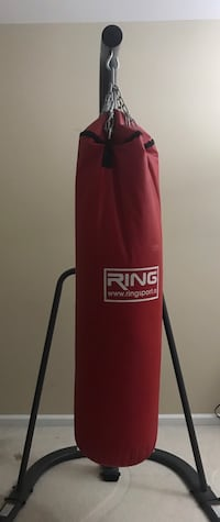 red and black Everlast heavy bag Fairfax, 22031