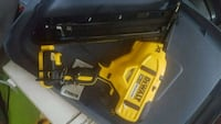 DeWalt 20 volt 15gauge finishing nailer tool only  Delta, V4G 1J7