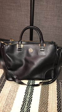 black leather 2-way handbag Toronto, M6J 2K5