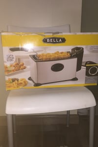Brand new in box never used deep fryer Richmond, V6Y 3W5