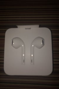 Ear buds for iPhone never used still in package  Fair Lawn, 07410