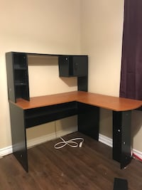 Black and wood grain desk Fort Erie, L2A 2Y1