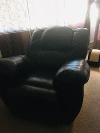Black leather recliner sofa chair Webster, 01570