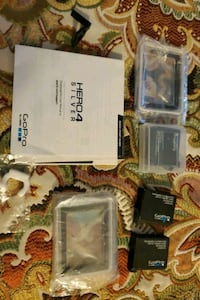GOPRO Hero 4 silver FREE batteries and parts