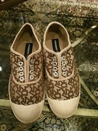 Authentic DKNY ladies shoes worn once Toronto, M6P 3E4