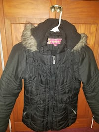 black parka  girls sz sm to med fits 8 to 9 yr old Easton, 18045