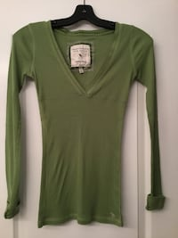 Abercrombie and Fitch Green shirt size(s)Womens/ Girls/ Teens, EUC Brampton, L6R 2S1