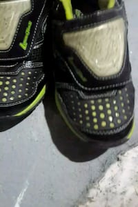 Sketchers light up sneakers size 2 Mississauga, L5V 1W6