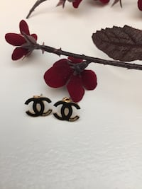 gold-colored-and-black Chanel stud earrings 920 mi