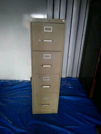 Different size file cabinets Oxon Hill, 20745