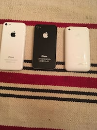 Black iphone 4 and white iphone 5c