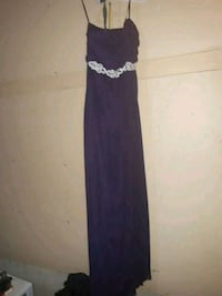 plum colored gown never worn size 7 Edmonton, T6H